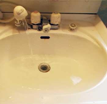 洗面所排水のつまりを修理