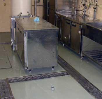 飲食店の排水管つまりとグリストラップつまりを修理