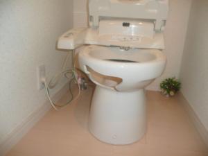 割れたトイレ便器