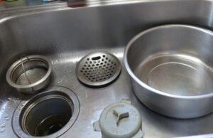 排水詰まりのあるキッチン